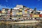 Passear e almoçar/jantar no Cais da Ribeira com vista sobre o Douro.